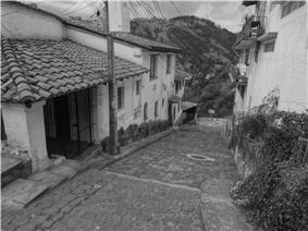 (Guápulo) Calle pic. a.JPG