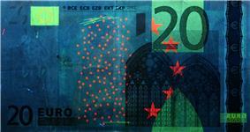 20 euro note under UV light (Obverse)