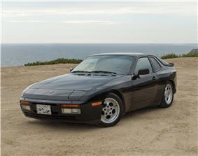 Porsche 944 Turbo.