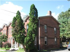 Building at 8-22 Graves Avenue