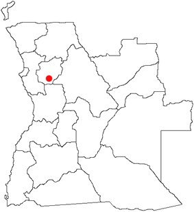 More than 700 villagers trekked 60 km from Golungo Alto to Ndalatando (red dot), fleeing an UNITA attack. They remained uninjured.