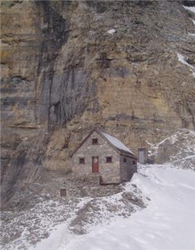 Image of Abbot Pass Refuge Cabin