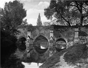 Abbots Bridge from Eastgate Street Bury St Edmunds Suffolk.jpg