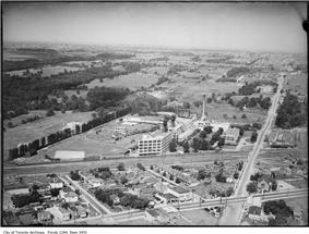Aerial view of the Kodak campus in Mount Dennis in 1917.