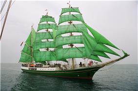Tall Ship Alexander von Humboldt, all 25 sails up