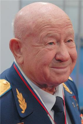 Alexei Leonov UR.jpg
