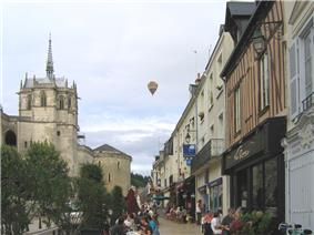 Amboise, street near the castle