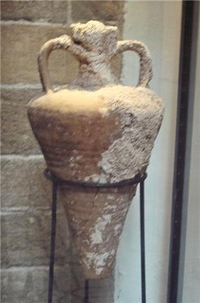 Amphora of the Agora K109 type Agean sea 3rd 4th century CE found between Mogador and Pharaon islands.jpg