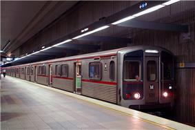 A Metro Rail train awaiting departure at Los Angeles' Union Station