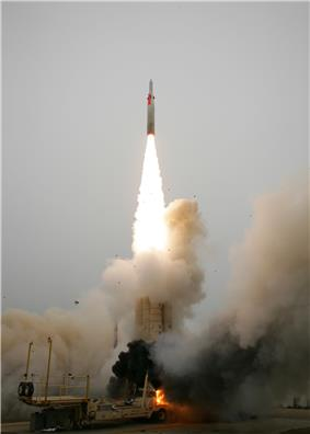 Arrow 2 launch on August 26, 2004, during AST USFT#2.