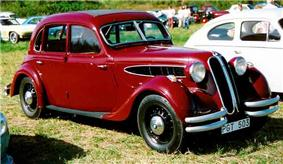 1938 BMW 326 Limousine.