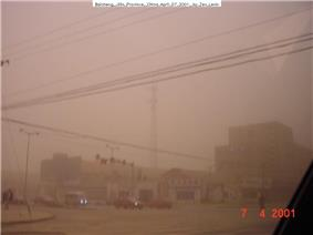Dust storm comes to Baicheng in 2001