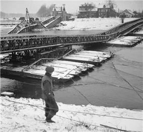 Bailey Bridge over the River Maas.jpg