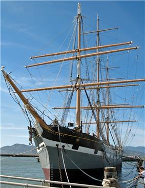 Port bow view of the square-rigged sailing ship
