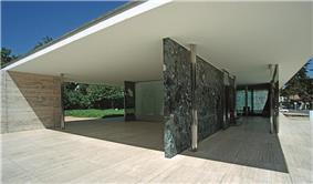 Barcelona mies v d rohe pavillon weltausstellung1999 03.jpg
