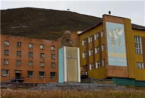 Barentsburg Lenin.jpg