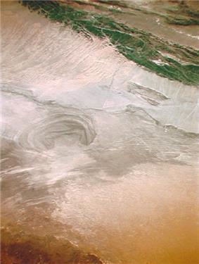 Basin of Lop Nur 90.25E, 40.10N, Kum Tagh and Astin Tagh.jpg