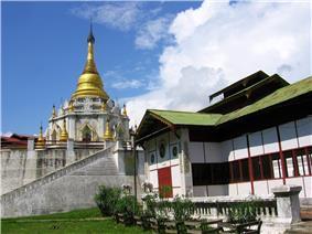 Pagoda Ike Kaw Daw (အိုက်ခေါတော် စေတီ)