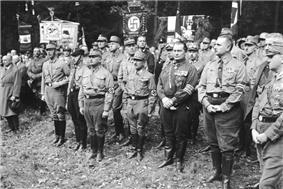 Bundesarchiv Bild 102-02134, Bad Harzburg, Gründung der Harzburger Front.jpg