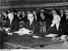 Walter Hallstein sitting between Konrad Adenauer and Antonio Segni