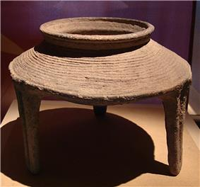 CMOC Treasures of Ancient China exhibit - pottery ding.jpg