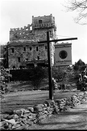 Castle Front 1.jpg
