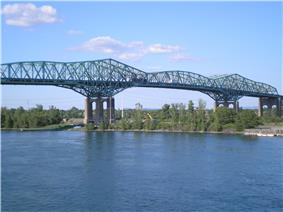 A view of the bridge's cantilevered main span.