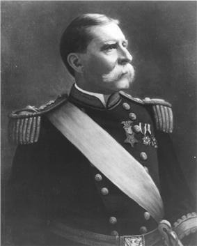 black & white portrait of Charles Heywood