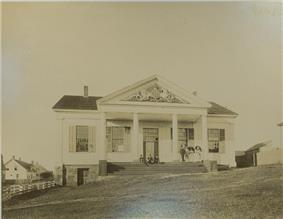 Sepia photograph of the Charlotte County Court House in 1895