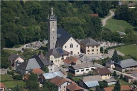 The church and surrounding buildings in Mercury