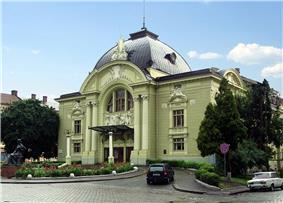 Chern teatr.jpg