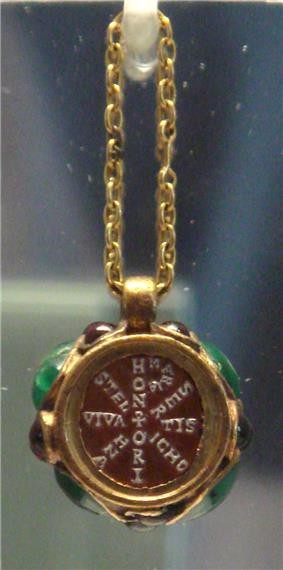 Christian pendant of Empress Maria, daughter of Stilicho and wife of Honorius.