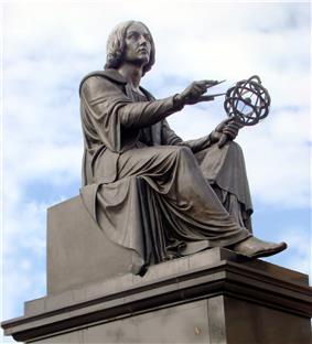 Copernicus by Thorwaldsen Warsaw 02.jpg