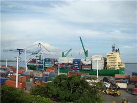 Corinto Port Ship.jpg