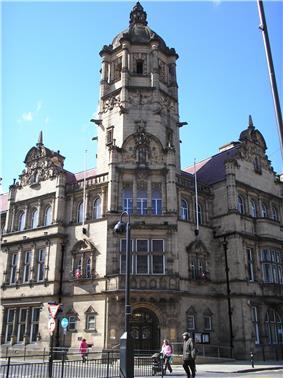 County Hall (1898), Wood Street, Wakefield.jpg