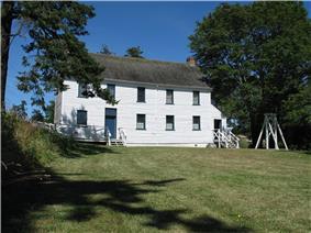 Exterior view of Craigflower Schoolhouse