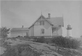 Crossover Island Light Station