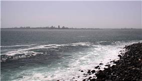 Dakar skyline da gorè 2.jpg