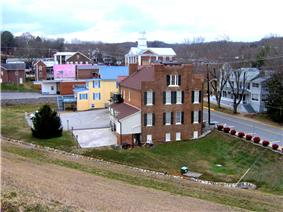 Dandridge Town Hall (foreground) and Jefferson County Courthouse (background)