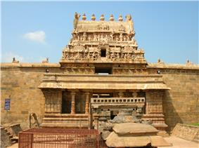 ''View of Airavateswarar temple''