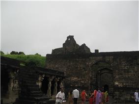Daulatabad entrance archway.JPG