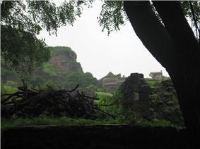 Daulatabad fort ruins.JPG