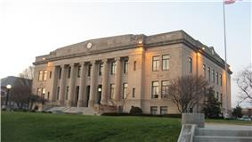 Daviess County courthouse in Washington