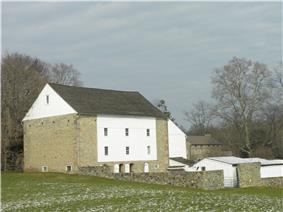 Daniel Davis House and Barn
