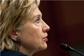 Side profile of Clinton, 2009