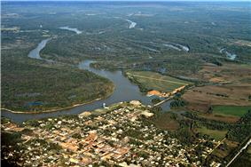 Aerial view of Demopolis, Alabama. The confluence of the Tombigbee and Black Warrior Rivers is visible in the center of the picture. View is to the northwest.
