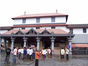 The entrance of Dharmasthala Manjunatha Temple