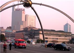 Dongfeng Street in Downtown Weifang