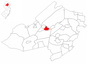 Dover highlighted in Morris County. Inset map: Morris County highlighted in the State of New Jersey.