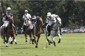 Hissam Ali Haider and Marco Forcaccia in The Dubai Trophy final